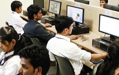 Which the topmost 3 private pharmacy colleges in Pune