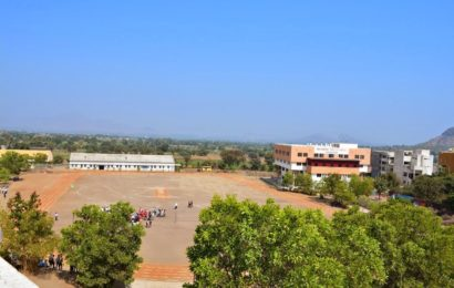 What is the Education Structure in Boarding Schools near Mumbai?